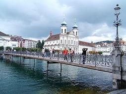 瑞士留学热门专业:金融专业