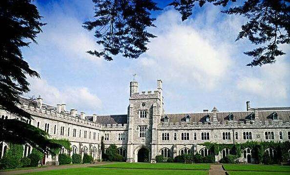 高中毕业生用SAT和PTE成绩喜获世爱尔兰三个录取