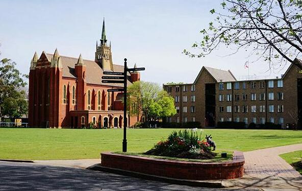 985院校75分学生喜获墨尔本大学应用语言学研究生录取