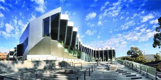 2017澳国立大学申请费和大学商科硕士入学要求调整