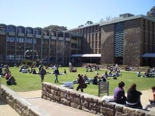 澳大利亚留学费用大约是多少?去那留学好吗?