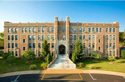 3月21日美国芳邦大学校代Claire老师将到访柳橙网上海总部进行研讨交流
