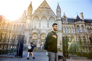 9月23日英国诺丁汉特仑特大学校代将到访柳橙网进行研讨交流