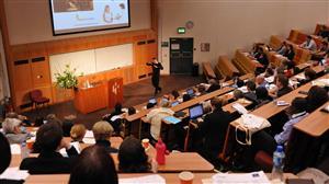 4月15日英国哈德斯菲尔德大学校方招生官将到访柳橙网长沙分公司进行研讨交流
